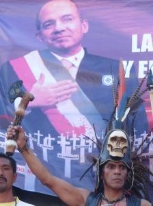 Manifestazione SME México 15.10.09 Calderon e il guerriero