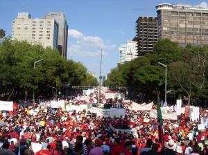 Manifestazione SME México 15.10.09 Folla dall'Angel