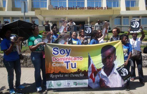 PROTESTA FRENTE AL TRIBUNAL CONSTITUCIONAL DE REPÚBLICA DOMINICANA