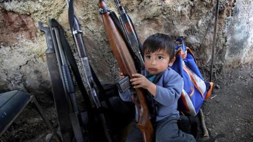 Autodefensas armas-del-grupo-de-autodefensa