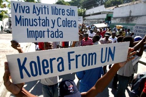 HAITI-colera-protesto-20101119-afp-G