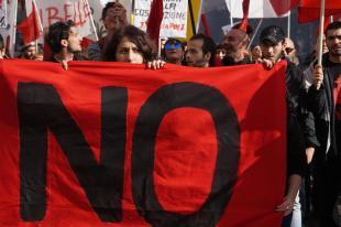 Referendum: Centri sociali in piazza per No a Napoli
