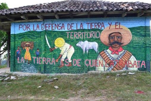 mural-zapatista