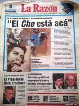 Tapa del periódico La Razón durante la búsqueda de los restos del Che en Valle Grande ©