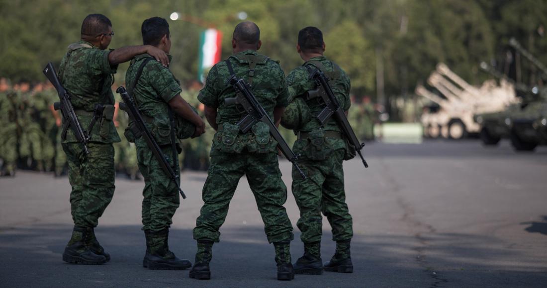 militares-en-la-calle-1100